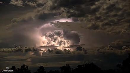 Fotógrafo captó una enorme tormenta eléctrica en un timelapse