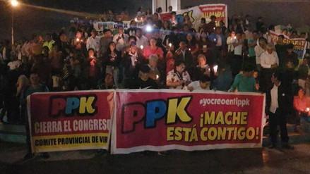 Militantes y simpatizantes de PPK realizan en vigilia en óvalo Papal