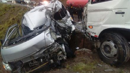 Dos muertos y 12 heridos dejó accidente de tránsito en la Carretera Central