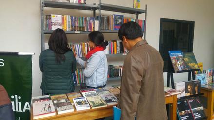 En 'Librorantikuy' promueven regalar libros en Navidad