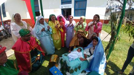 Profesionales de la salud escenifican nacimiento del Niño Jesús