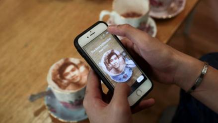 Cafetería en Londres te hace saborear tu imagen con el 'selfieccino'