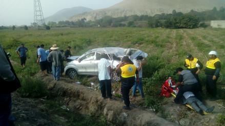 Despiste de auto deja siete heridos en Huaral
