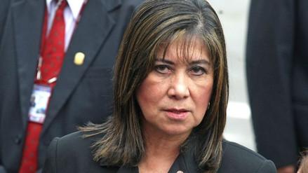 "Martha Chávez apoya a Yeni Vilcatoma: ""Los presidentes de Chile jamás tendrán un asesor peruano"""