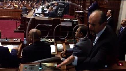 Mauricio Mulder y Jorge del Castillo se insultaron en el Pleno del Congreso