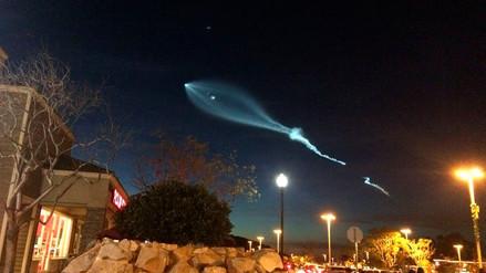 Videos | Cohete de SpaceX iluminó el cielo y provocó temor en Los Ángeles