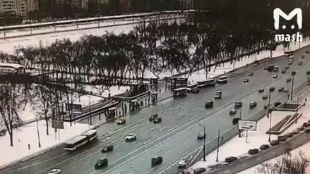 Al menos 5 transeúntes murieron arrollados por un autobús en una acera en Moscú