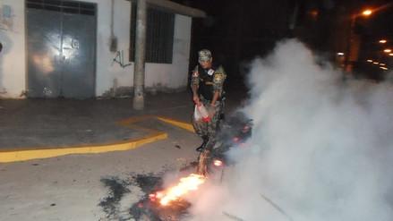 Multarán con 1 600 soles por quema de muñecos en La Victoria