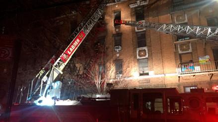 Al menos 12 muertos en incendio en un edificio en Nueva York