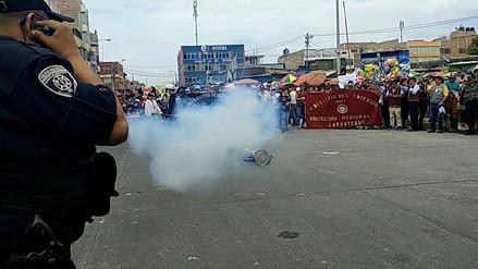Durante marcha Policía realizó demostraciones sobre el peligro de pirotécnicos