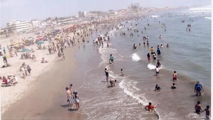 Solo dos playas lambayecanas cuentan con baños y depósitos para basura