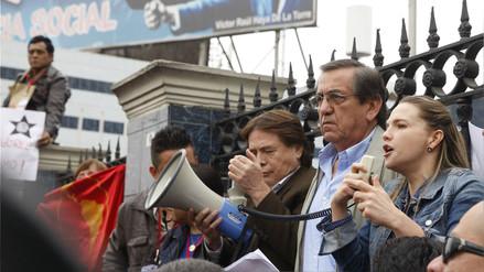 El Apra abre investigación preliminar a Jorge del Castillo y Luciana León