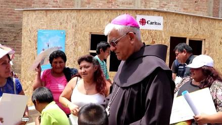Arzobispo entrega módulos de vivienda a damnificados