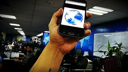 ¿Levantas tu celular para mejorar su cobertura? No sirve para nada
