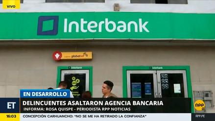 Delincuentes protagonizaron tiroteo tras asalto a agencia bancaria en VMT