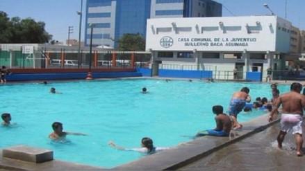 Las piscinas de Chiclayo lucen abarrotadas de bañistas