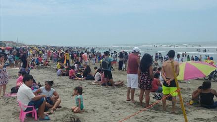 En el primer día del año playas lambayecanas lucen abarrotadas