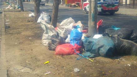 Vía pública de Trujillo amaneció con basura por Año Nuevo