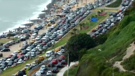 Gran congestión vehicular por fiestas de Año Nuevo en Costa Verde