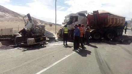 Más de mil 600 buses transitan por Arequipa y vías están en mal estado