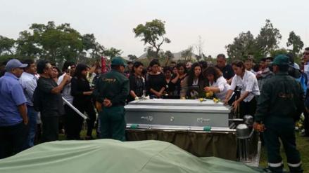 Sepultan en Lima a piurano fallecido en trágico accidente de Pasamayo