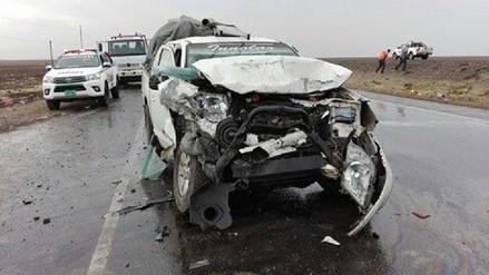 Choque entre dos vehículos dejó 6 heridos en carretera a Reque