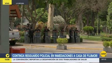 Continúa el resguardo policial en los exteriores de la casa donde se aloja Fujimori