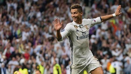 Esculpen otra 'terrible' estatua de Cristiano Ronaldo