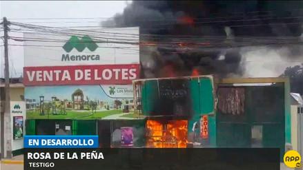 Reportan incendio en un local de venta de inmueble de Puente Piedra