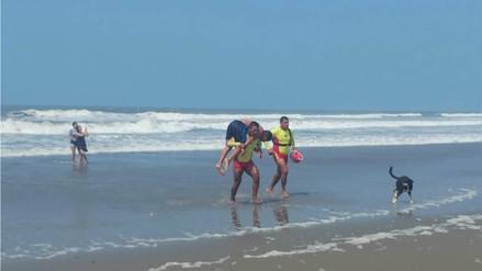 Una persona es salvada de morir ahogada a diario en playas de Lambayeque