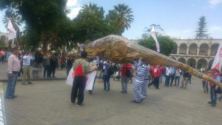 Colectivos realizaron marcha en rechazo al indulto a expresidente Fujimori
