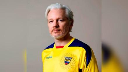 Ecuador confirmó que concedió la ciudadanía a Julian Assange, asilado en Londres