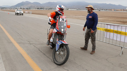 El peruano Carlo Vellutino abandona el Dakar en la séptima etapa