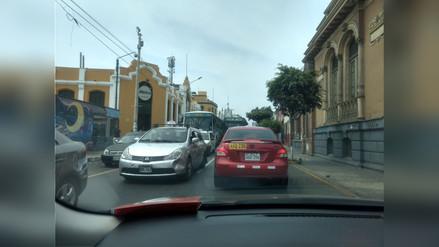 Continúa el caos vehicular en Barranco por cierre de la avenida Pedro de Osma