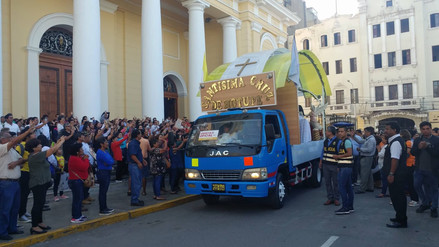 Cruz de Motupe emprendió peregrinación hacia Trujillo