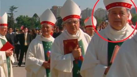 Obispo acusado de encubrir abusos a menores participó en misa del papa en Chile