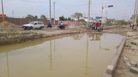 Piden a constructora reponer daños en red de agua en avenida Cáceres
