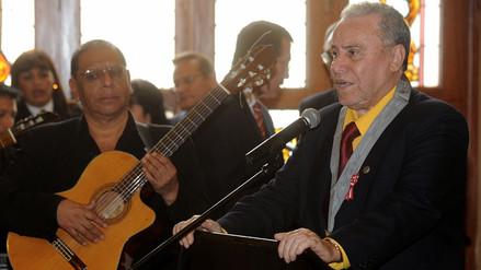 AUDIO   Augusto Polo Campos compuso canción de despedida