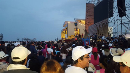 Miles de lambayecanos se encontraron con el Papa Francisco en Trujillo
