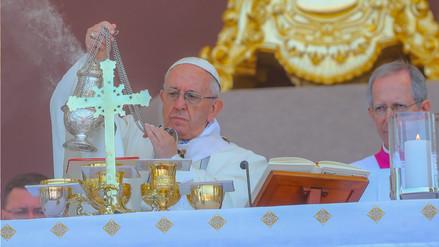 El papa Francisco pidió a los peruanos luchar contra el feminicidio