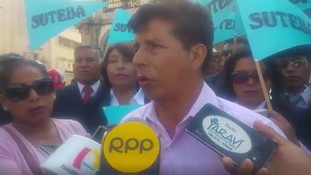 Pedro Castillo pidió desde Arequipa diálogo entre el Minedu y los docentes
