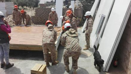Efectivos del Ejército apoyan armado de módulos de vivienda en Caravelí