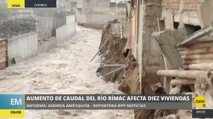 El río Rímac se desbordó y afectó al menos 10 casas en Chosica