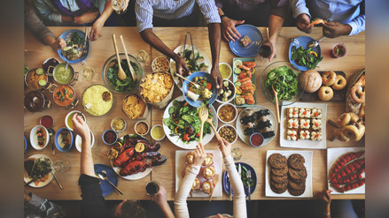 Claves para librarse de los excesos en las comidas