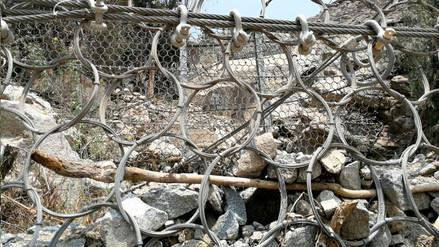 Chosica: vecinos de Buenos Aires piden limpieza de geomallas cargadas de rocas