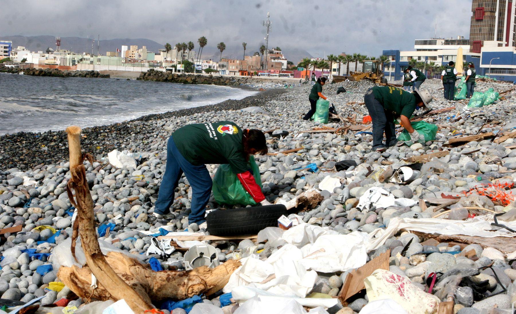 Basura en las playas: biodiversidad marina se ahoga en océanos de plástico