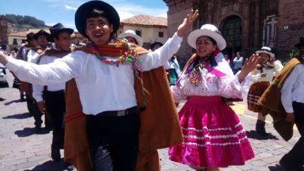 """Al ritmo de danzas típicas promocionan en Cusco """"Carnaval Abanquino"""""""