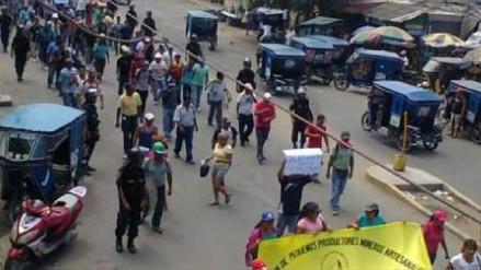 Policía de Monsefú y pobladores marchan contra la inseguridad
