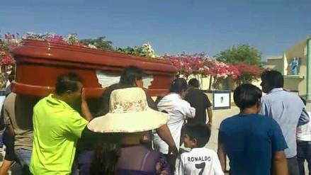 Entierran a pescadores lambayecanos fallecidos en choque de embarcaciones