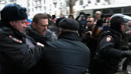 La policía rusa detuvo a Alexéi Navalni, principal opositor de Vladimir Putin